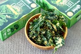 Directly from the farm to you: seasonal kale chips are here!